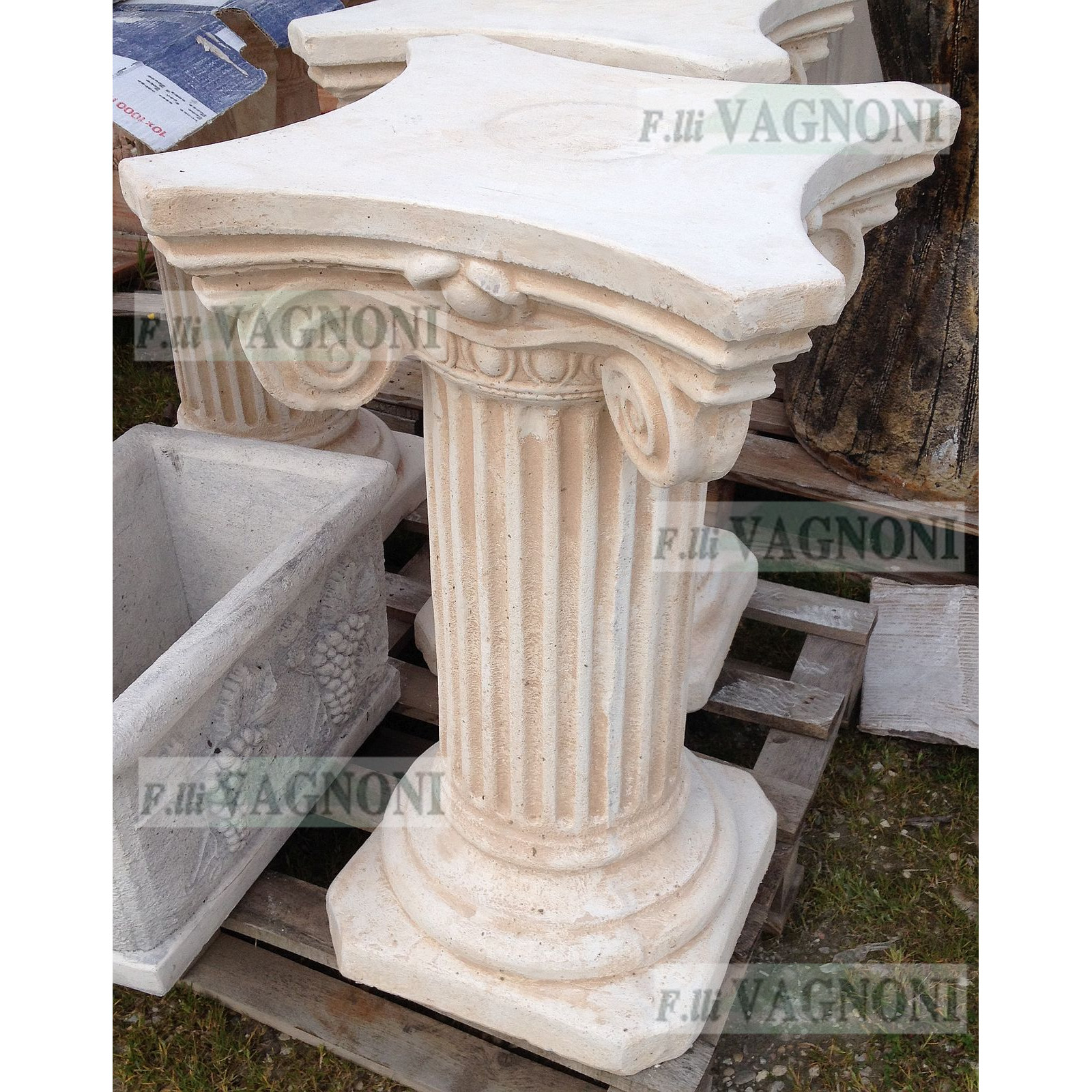 COLONNA CAPITELLO PATRASSO/R IN CEMENTO CM. 75