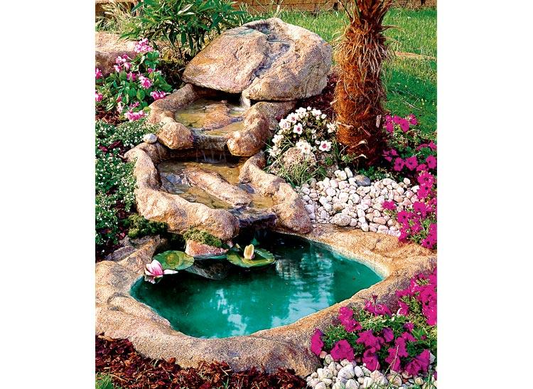 Cascata azzurra com pompa cascata103 for Pesci finti per piscina