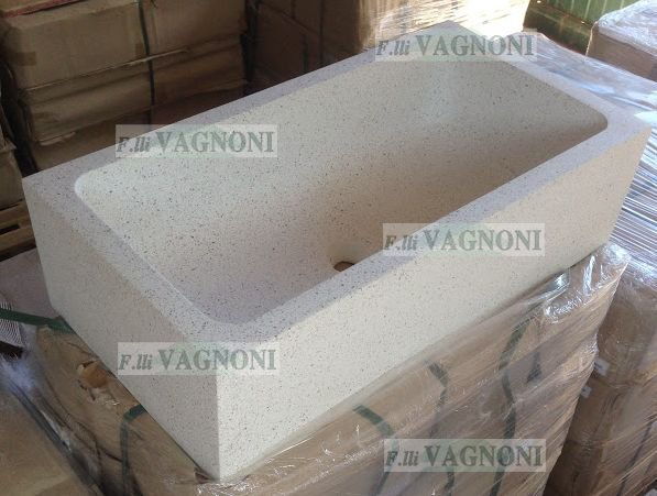 http://www.fratellivagnoni.it/images/lavandini_acquasantiere/86x45x24_1logo.JPG