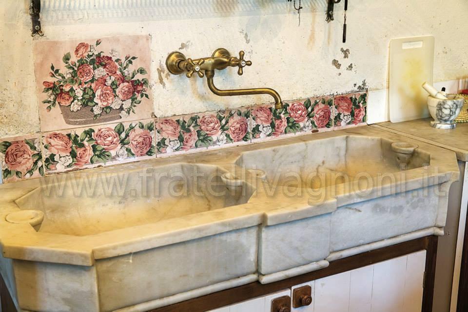 Lavandino da bagno cucina in marmo cm 140x58x20 lavmarm137 850 00 fratelli vagnoni - Lavandini in marmo per cucina ...