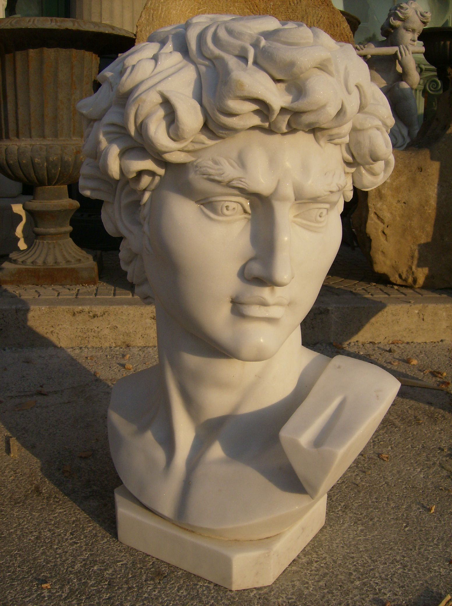 BUSTO IN MARMO DAVID DI MICHELANGELO Cm. 70