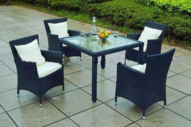 Set tavolo 4 sedie in polyrattan mod 219102 219102 400 00 fratelli vagnoni store - Tavoli da balcone brico ...