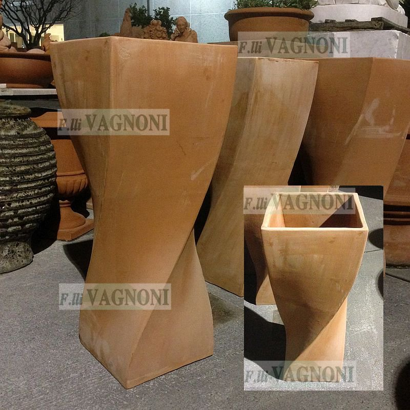 Vaso in terracotta toscana a treccia cm 97 vasotreccia for Anfore terracotta da giardino