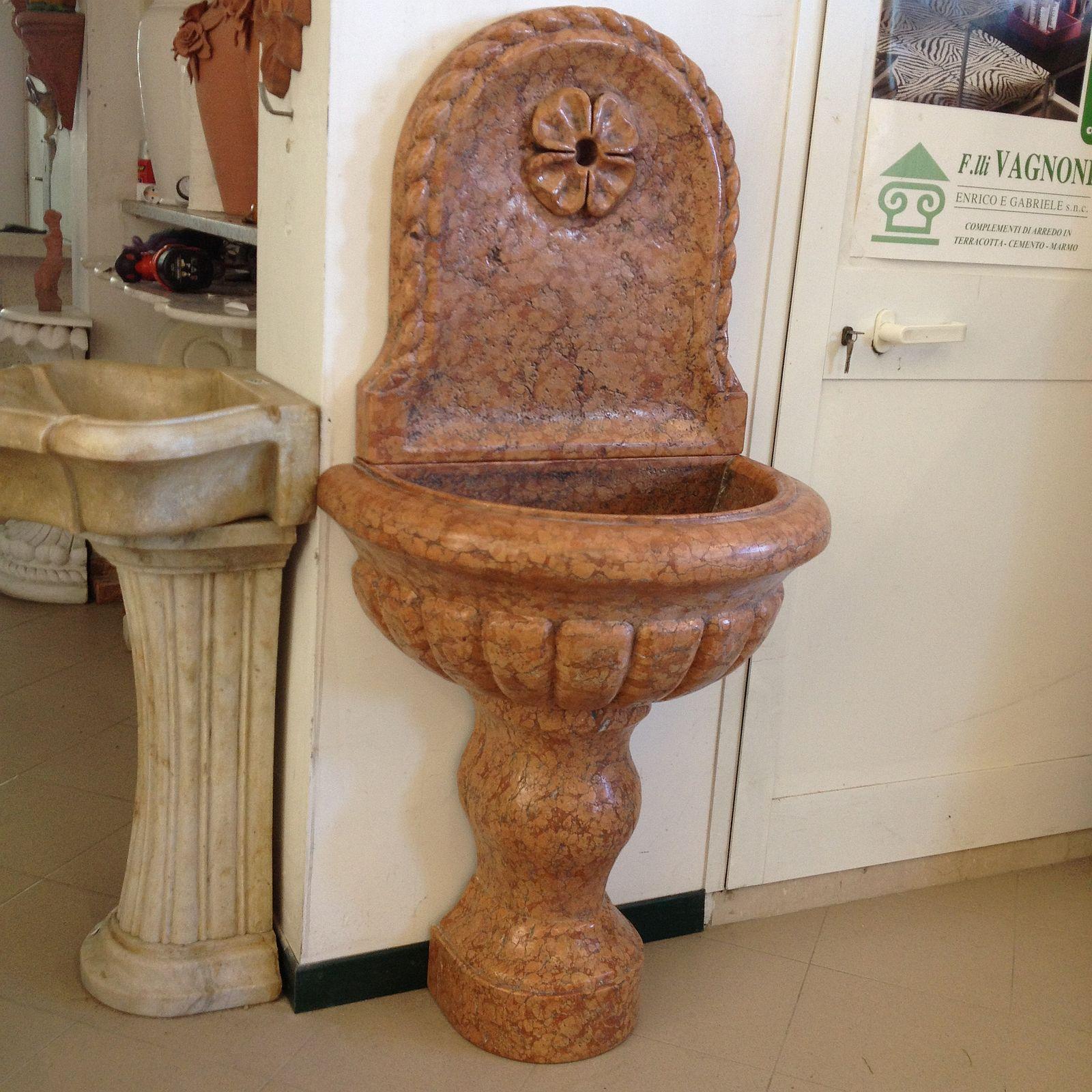 Pietre Per Arredare Pareti fontana a parete in marmo rosso verona [font_rosso] - 998,00